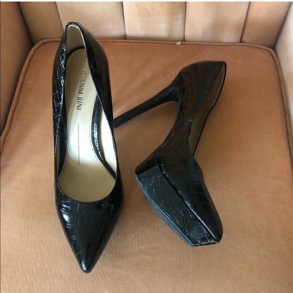 Gianni Bini Pointed Toe Platform Heels